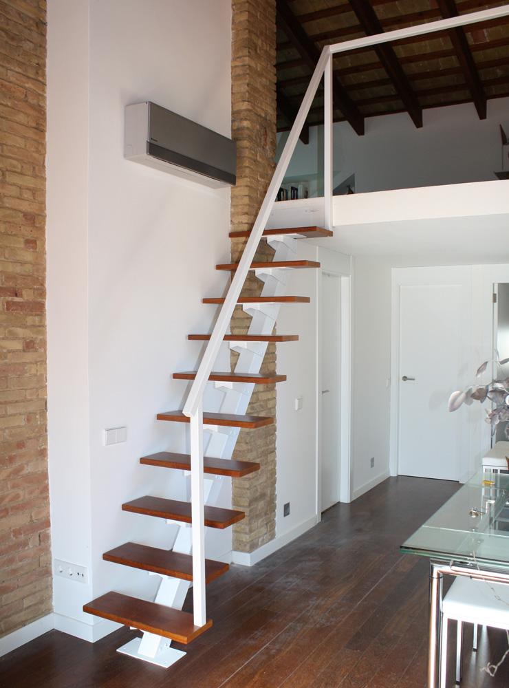 Escalier suspendu cota